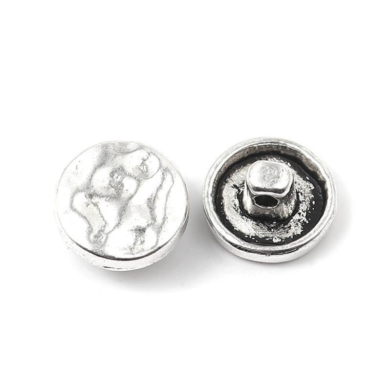 O metal da liga de zinco de doreenbeads martelou os botões redondos da pata da cor de prata antiga vestuário calças de brim que costura suprimentos 12mm diâmetro., 50 PCs