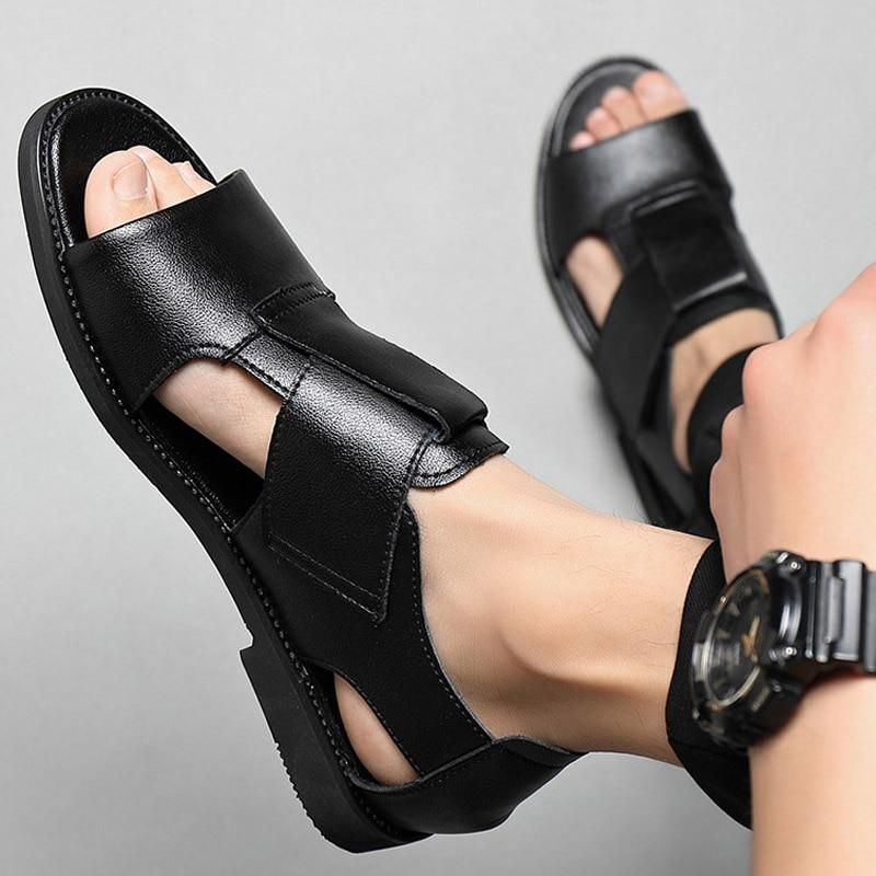 صندل رجالي من الجلد عالي الجودة يسمح بمرور الهواء ، أحذية صيفية ، أحذية شاطئ ، نمط غير رسمي ، أسود وبني ، مقاس كبير