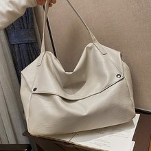 Soft Leather Hot Sale Large Capacity Shoulder Bags for Women 2021 Summer Solid Color High Quality La