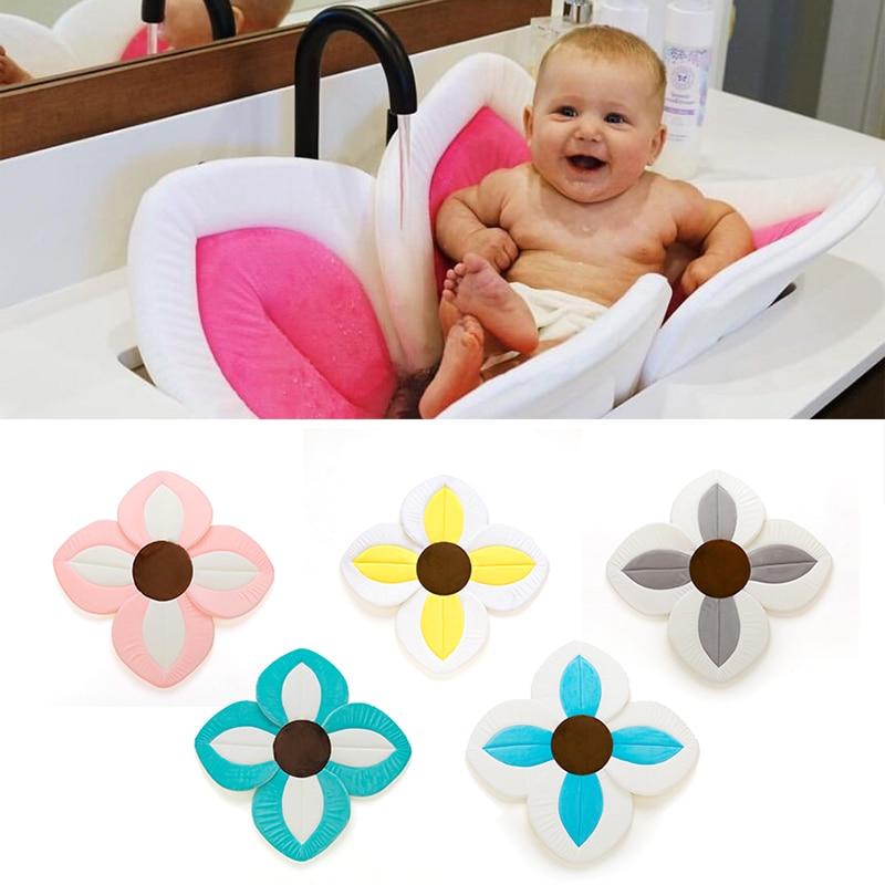 1Pcs Baby Bath Flower Pad Lovely Petal Shape Baby Bathtub Mat Color Patchwork Newborn Infant Bathing Mat Cushion