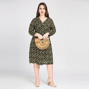 Retro Style High Waist Floral Dress Women Plus Size V-neck Long Sleeve Dresses Elegant Casual Robes Femme TA2173