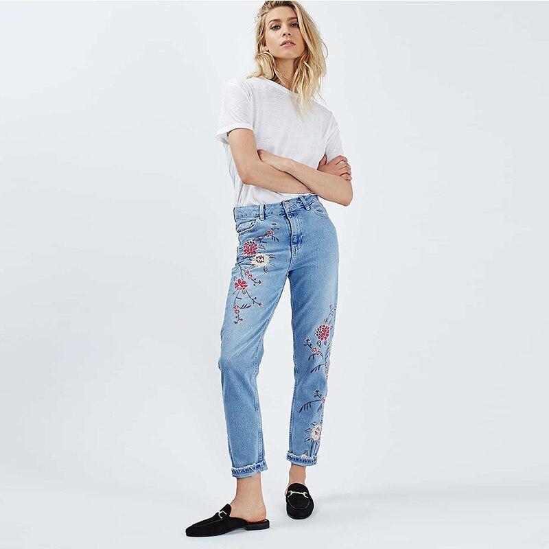 جينز موضة مطرزة للسيدات غير رسمي عالي الخصر مستقيم 100% قطن فضفاض مغسول تسع نقاط من الدنيم سراويل نسائية مقاس كبير