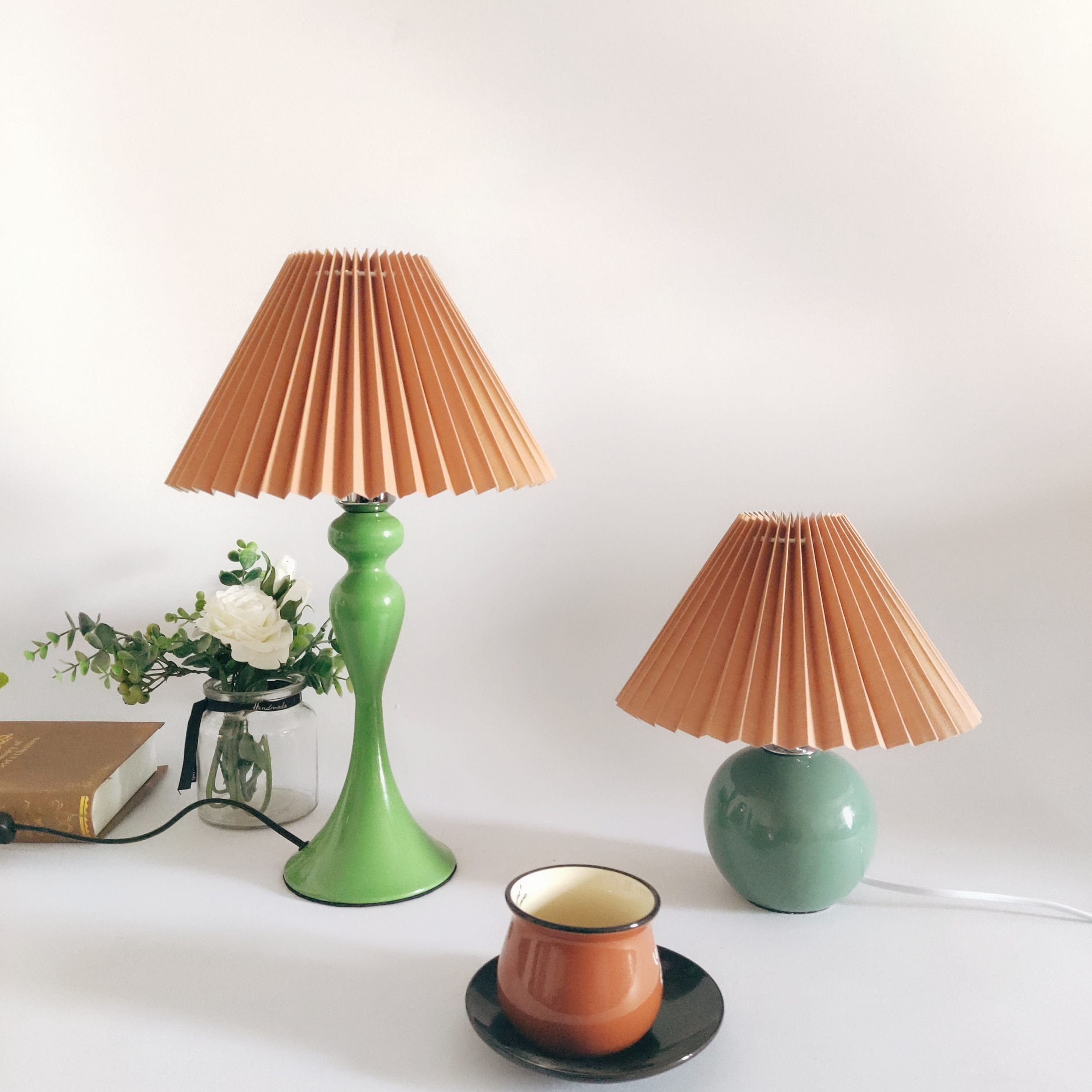 2021 Xianfan New KoreaStyle Iron BaseTable Lamp ForLiving Room With Cloth Composite PVC Retro Lampshade Night Lights