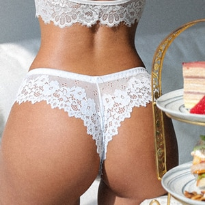 New Low Waist Panties Women Sexy Lace Lingerie Temptation Embroidery Sex Thong Transparent Hollow Out Underwear Female G String