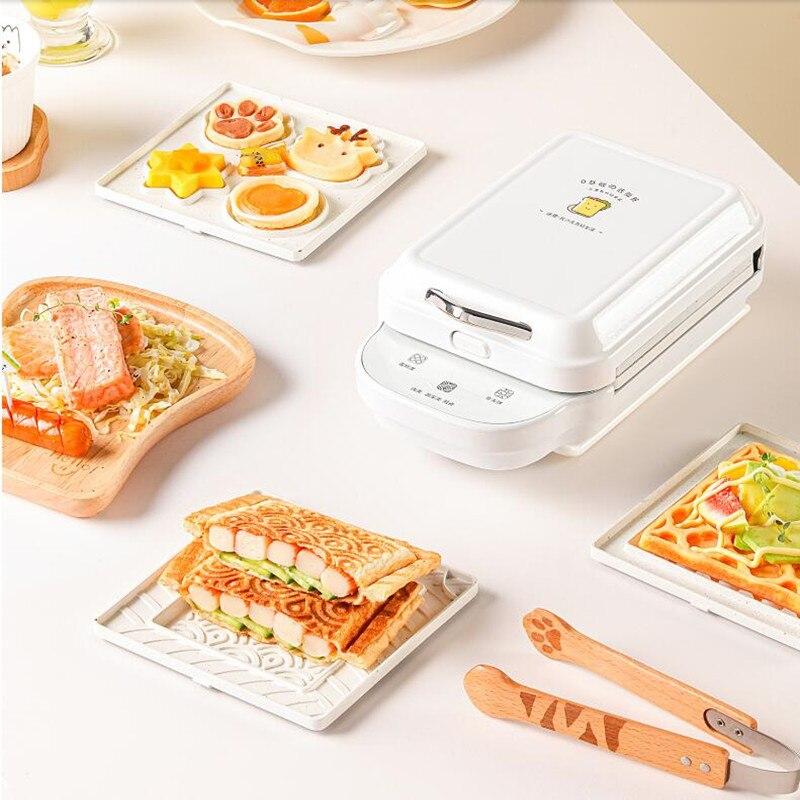 ماكينة صنع الوافل كهربائية منزلية 220 فولت ماكينة تحضير الإفطار بالساندوتشات غير لاصقة محمولة مكونة من 3 أطباق