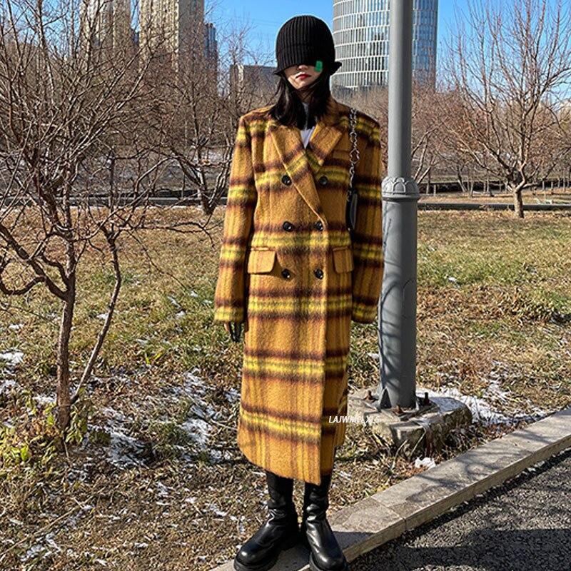 جديد 2021 معطف أصفر منقوش بصدر واحد مستقيم من الصوف للنساء جاكيت نسائي شتوي كوري كبير الحجم للسيدات ملابس خارجية سميكة ودافئة