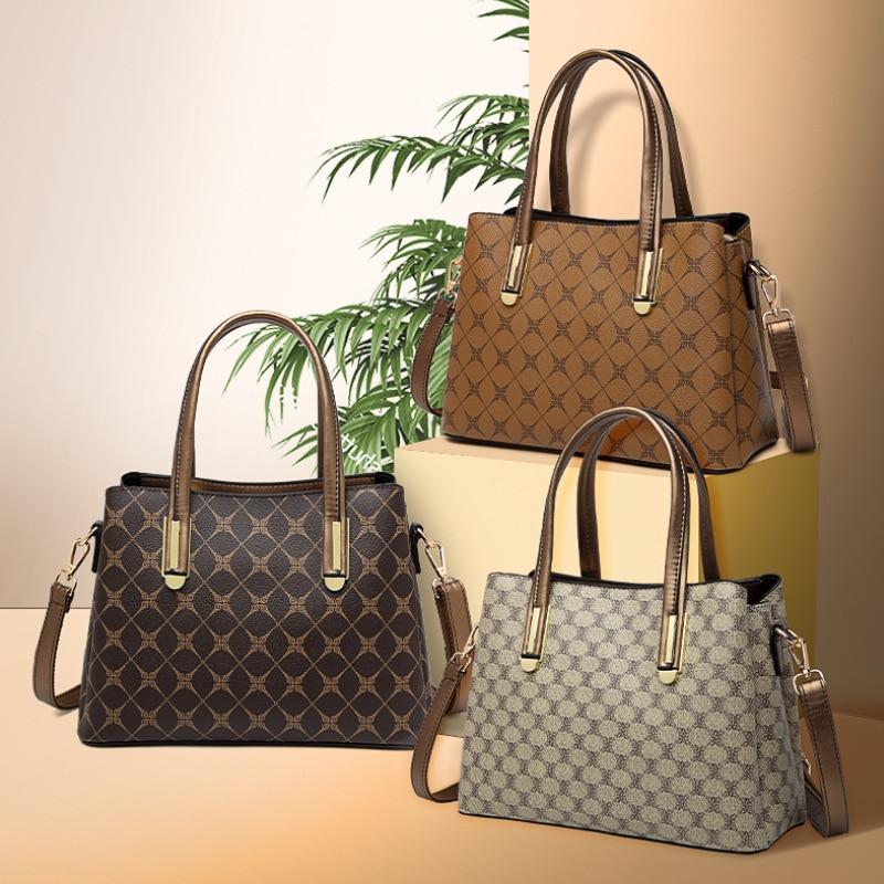 حقيبة كتف نسائية ، حقيبة كروس دغة ، سعة كبيرة ، جو عصري ، مصمم ، محافظ وحقائب يد
