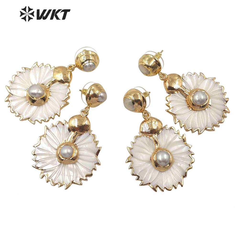 WT-E590 أحدث قرط على شكل صدفة زهرة قذيفة مع الذهب مطلي اللؤلؤ ترصيع الأبيض قرط على شكل صدفة امرأة أنيقة المجوهرات الرائعة