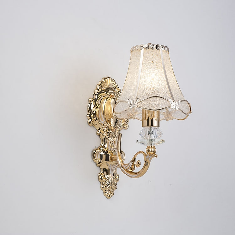 Европейский настенный светильник с лепестками, прикроватный золотой настенный светильник с одной головкой для телевизора, настенный свети...