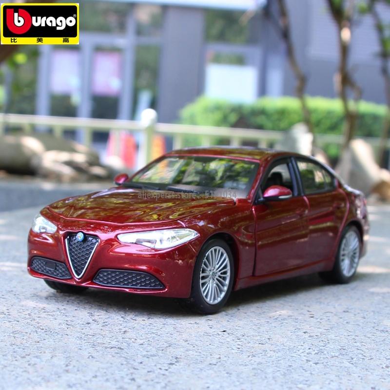 Bburago 1:24 2016 Alpha Romeo sports car alloy car model simulation car decoration collection gift toy