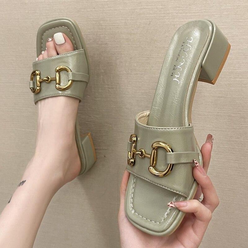 Outdoor wear Women slippers New summer 2021 Middle heel Sandals Metal buckle Thick heel Open toe women's shoes