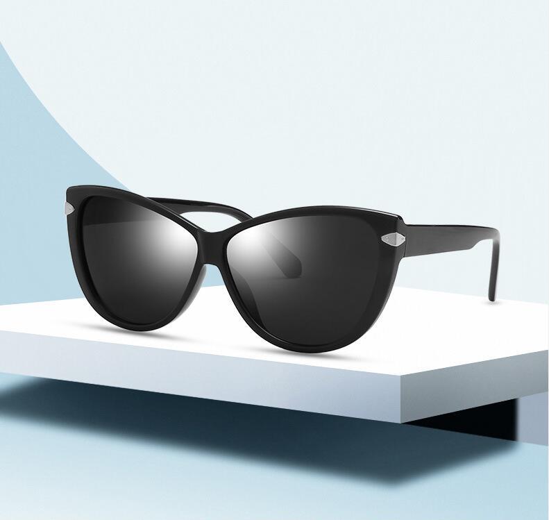 New Creative Cat Eye sunglasses Women Diamond Sunglasses 8 Colors Shades Female Eyewear UV400 Party