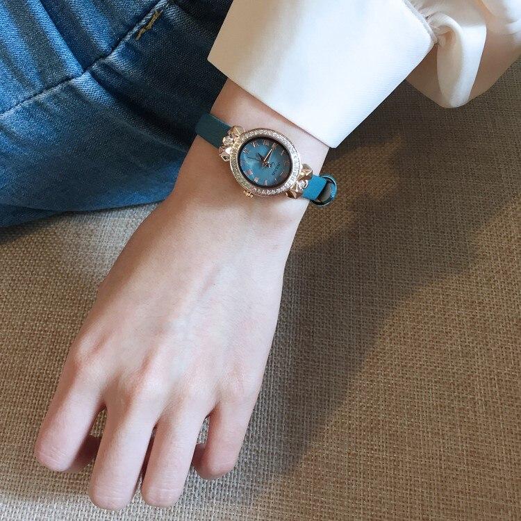 Estilo coreano simples chique luz luxo retro arte pequena cinta dial lazer moda lago azul relógio de quartzo feminino