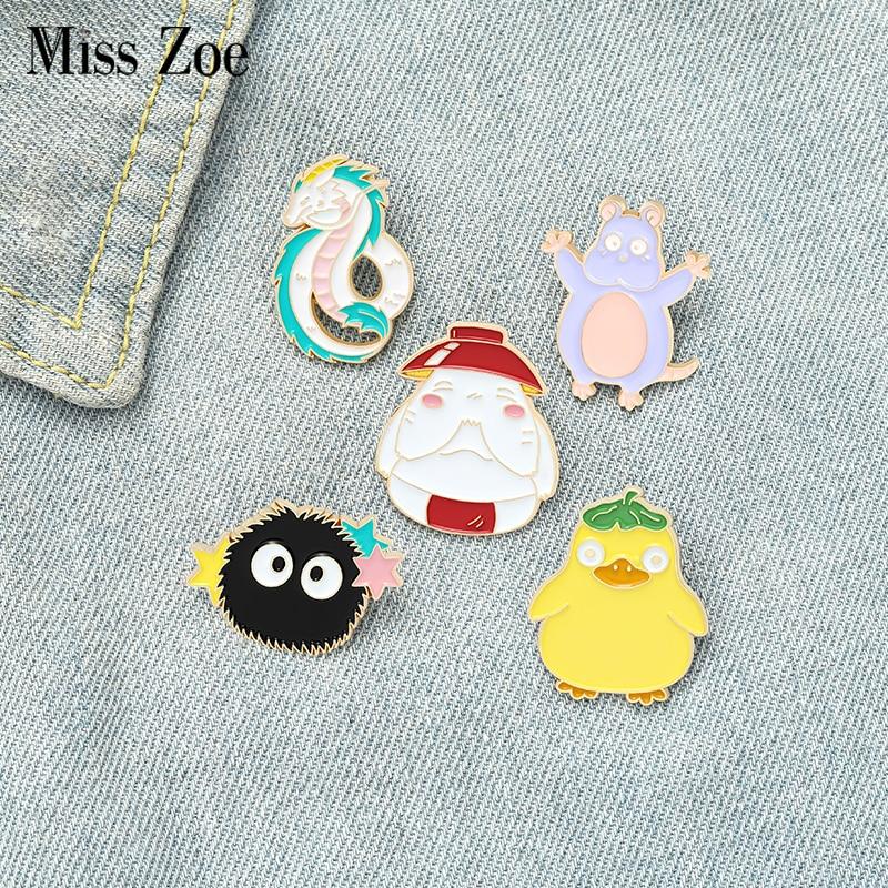 Spirit World-Pin esmaltado para niños, broche de carbón de zanahoria, dragón, ratón, pato, bolso, solapa, película de dibujos animados, insignia regalo de la joyería