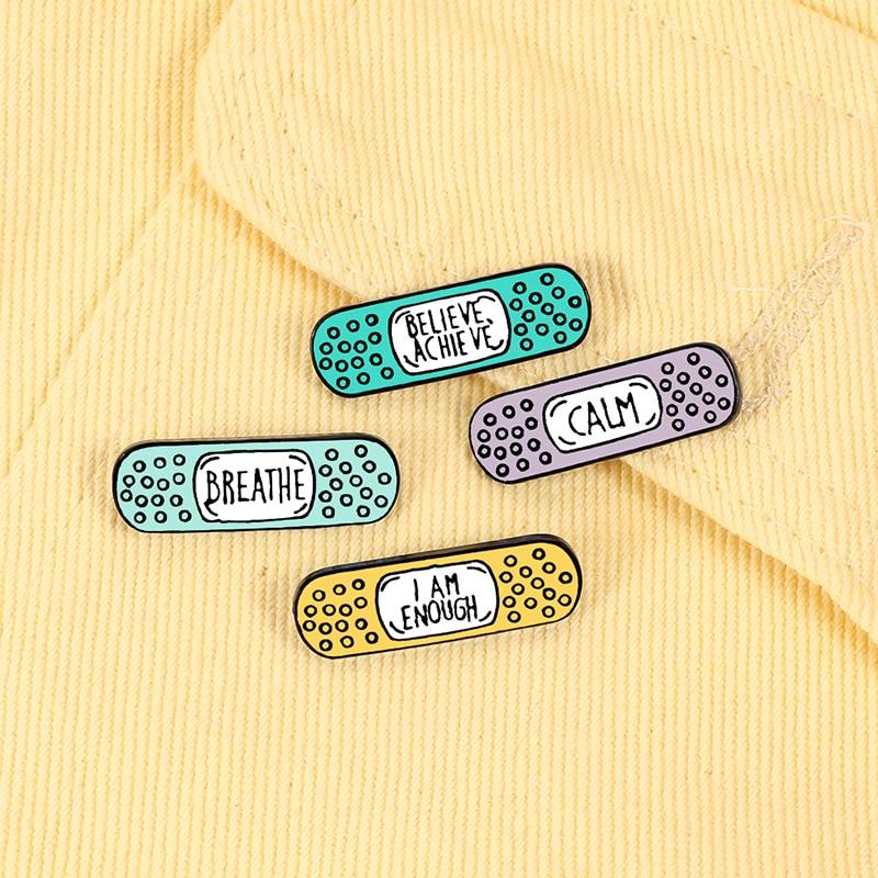 Pequeña correa de dibujos animados, Pin esmaltado, lindo, creativo, aleación colorida, joyería, broches, regalo para enfermera, amigos, capa blanca, insignia de mochila
