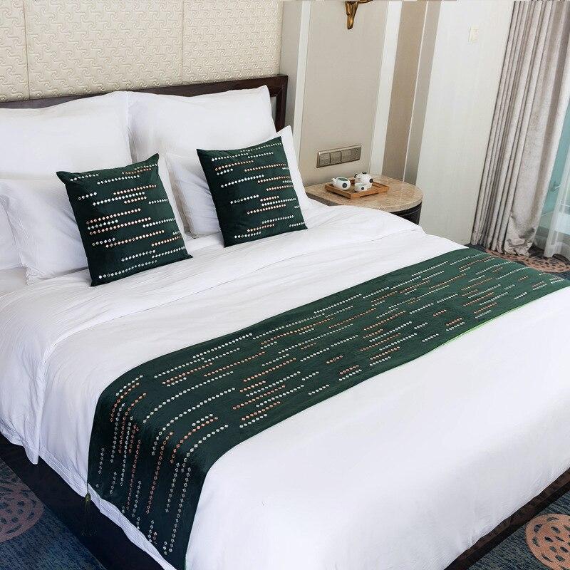 الفاخرة الأوروبية الساخن الحفر النيزك دش غطاء السرير الطويل النقي اللون شرابات شخصية الظلام الأخضر شريط المنزل غطاء السرير الطويل