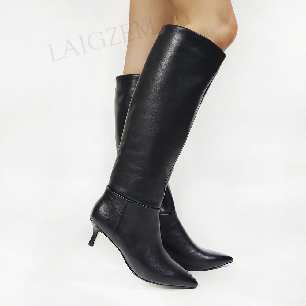 LAIGZEM النساء حذاء برقبة للركبة الجلد الحقيقي الجانب البريدي كعوب منخفضة أحذية لينة Frauen Stiefel سيدة أحذية امرأة كبيرة الحجم 36 37 38 39