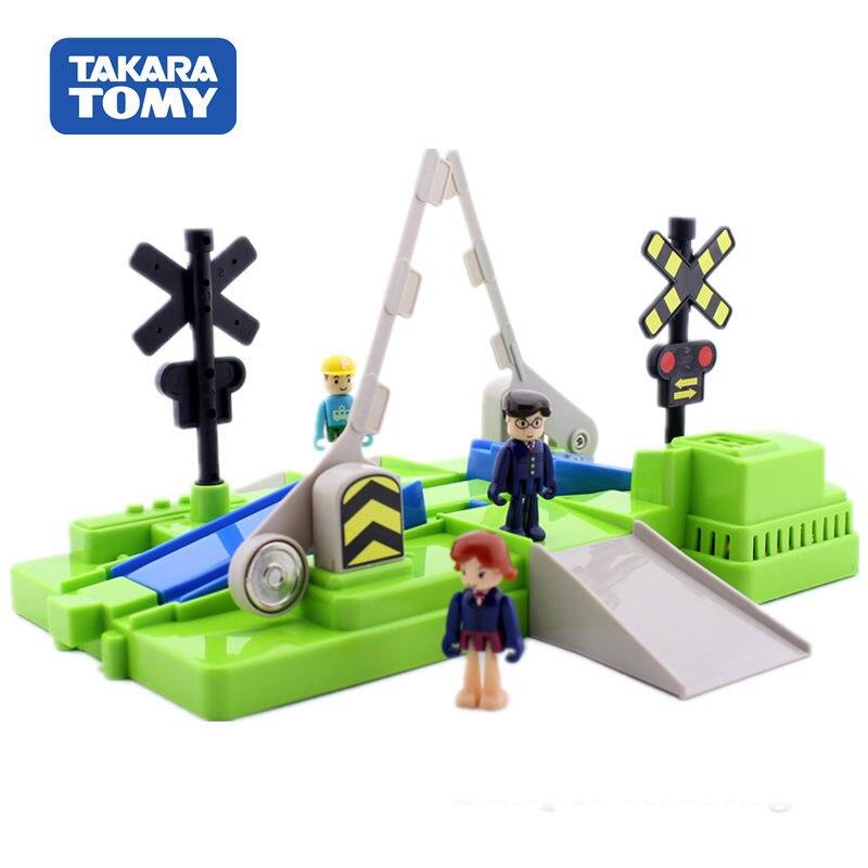 Kit de modelo de tren Plarail, juego de cruce de ferrocarril Takara Tomy, juego de juguetes educativos fundidos, juguete mágico montado para niños