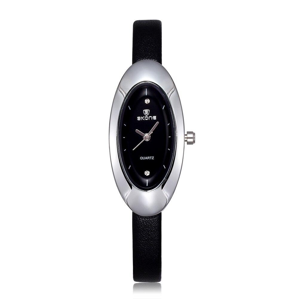 Pulseira de Couro Relógio de Quartzo Venda Quente Moda Simples Água Diamante Relógio Elíptico Dial Reloj Mujer Feminino 2021