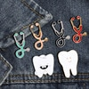 18 스타일 의료 청진기 에나멜 핀 해부학 심장 치아 두뇌 브로치 의사 간호사 옷깃 핀 자켓 배지 아이콘 쥬얼리