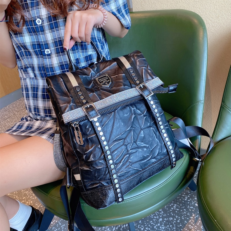 Brand Women Backpack Soft Leather School Bags Rivet Mochila Feminina Bolsas Mujer Backpacks Rugzak Back Pack Shoulder Bag