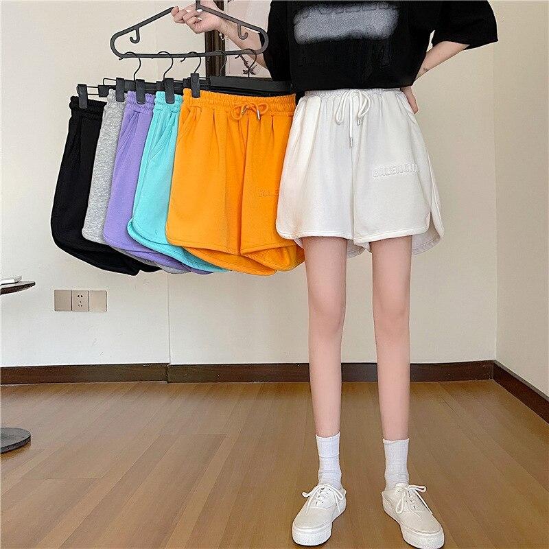 Спортивные шорты, женские летние новые товары, корейские повседневные штаны с рельефными буквами и эластичной резинкой на талии, широкие св...