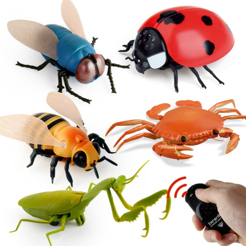 New Strange Simulation Infrared Remote Control Insect Fly Bee Ladybug Crab Mantis Whole Toy.
