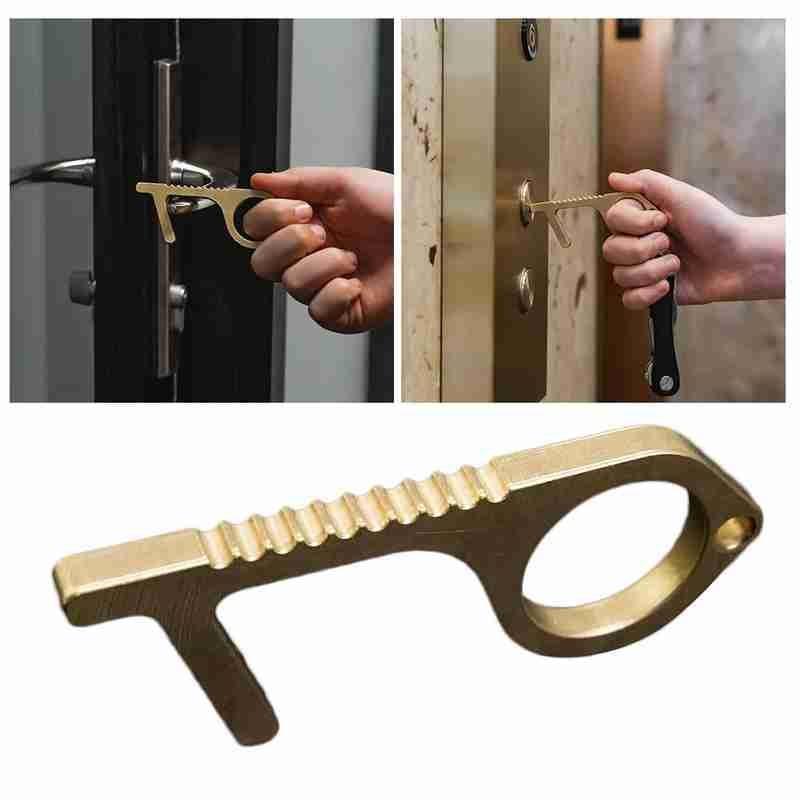 Moderno llavero de latón antimicrobiano EDC para hombres y mujeres, abridor de puerta portátil, elevador de prensa, herramienta Original, llavero