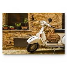 الأبيض دراجة نارية الطين جدار بناء الريفية هادئة المطبخ الطابق حمام مدخل البساط حصيرة ماصة حمام داخلي ديكور مماسح