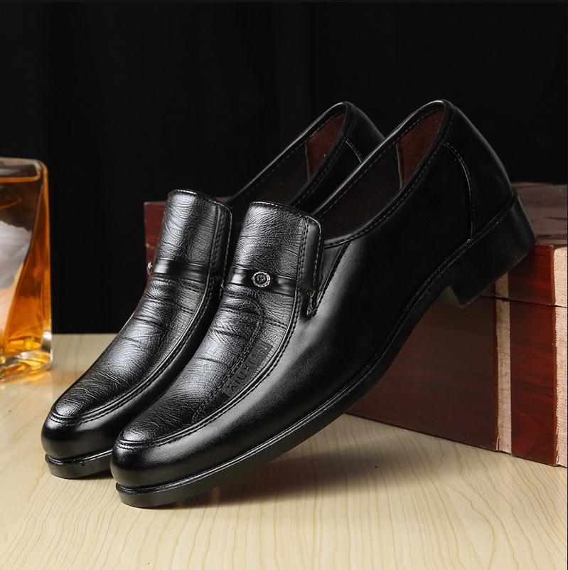 Super confiante sapatos de negócios high-end masculinos moda estilo britânico sapatos de trabalho pontiagudos sapatos de banquete de casamento masculino zapatos