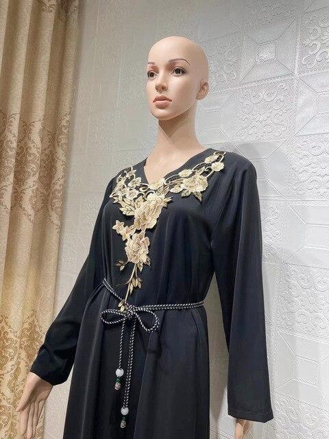 Muslim Long Kaftan Dress Women Full Sleeve Loose Gowns Robes Fashion Floral Embroidery Elegant Dubai Islam Ramadan Muslim Dress 4