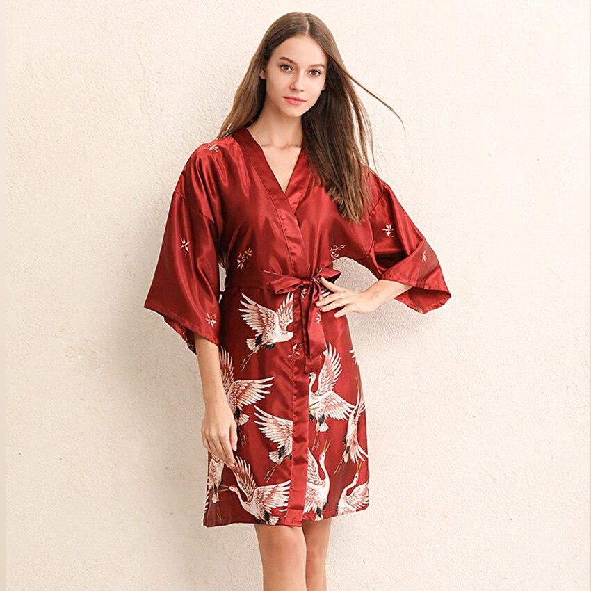 Crane Kimono estilo japonés ropa de dormir vestido de satén para las mujeres más Yukata Cardigan 2020 nuevas ropas asiáticas de fiesta Vintage de lujo