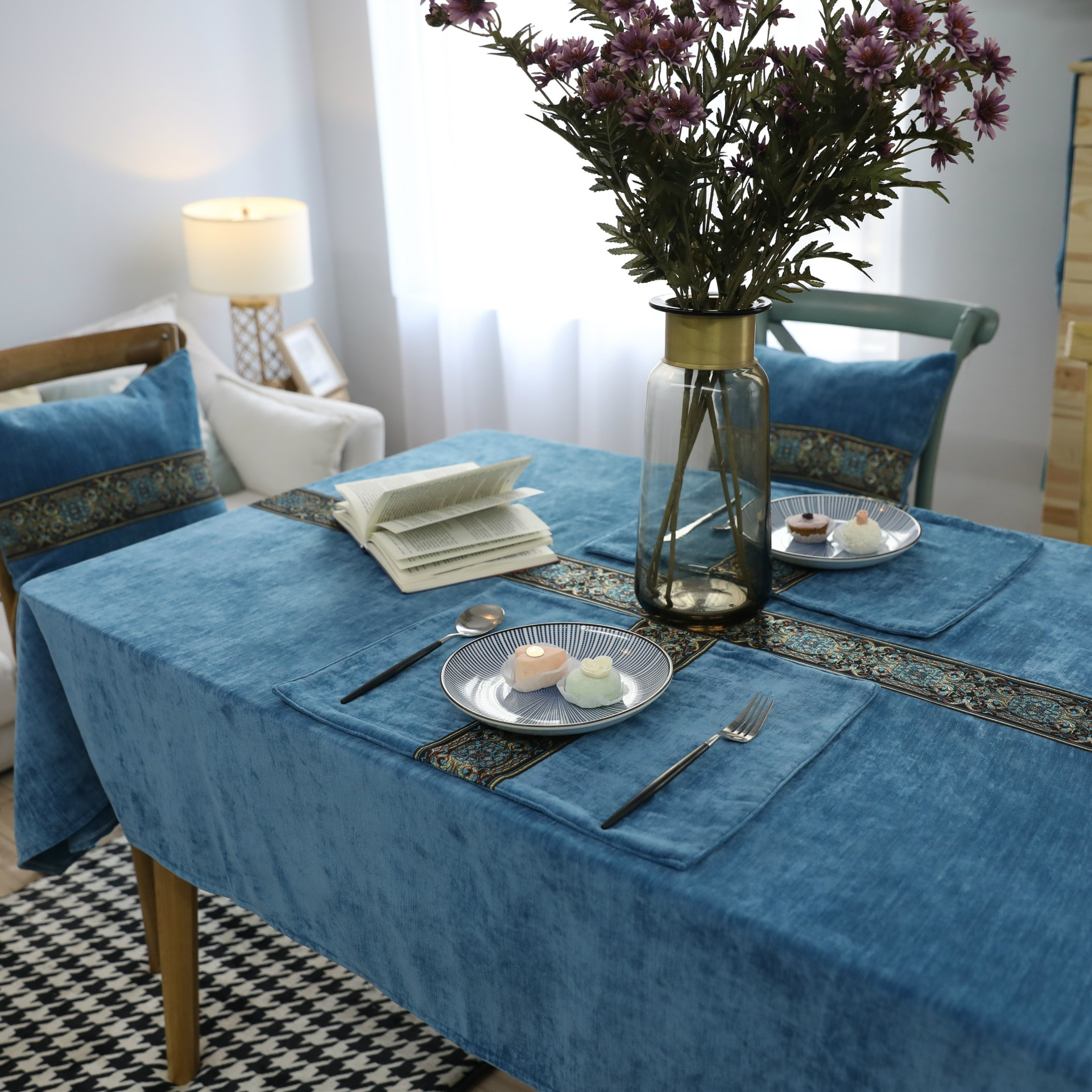 Nórdica clásica de manteles de tela de té Bordado Azul de doble cara de terciopelo grueso de mesa rectangular de tela