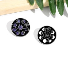 Creative Black Circle Moon Change Brooch Animal Enamel Pin Lapel Badge Amateur Astronomy Jewelry Enamel Brooch Moon Phase