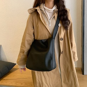 Soft and simple style large capacity bucket bag casual One Shoulder Messenger Bag