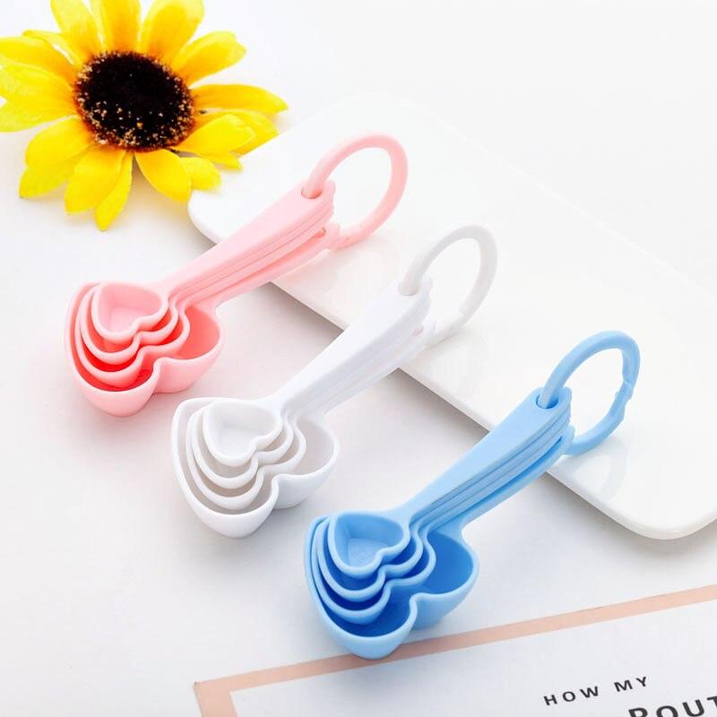 Cucharas medidoras de plástico con forma de corazón, recuerdo de boda, regalo de recuerdo, regalo para fiesta de bienvenida de bebé, regalos, utensilios de cocina para hornear WB2228