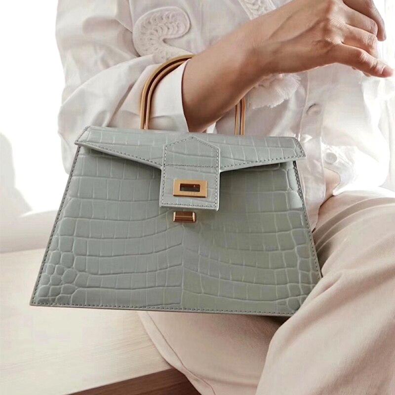 2020 Women Metal Handle Crocodile Pattern Handbag Trapezoid Small Square Bags Wide Shoulder Strap Shoulder Bag vintage