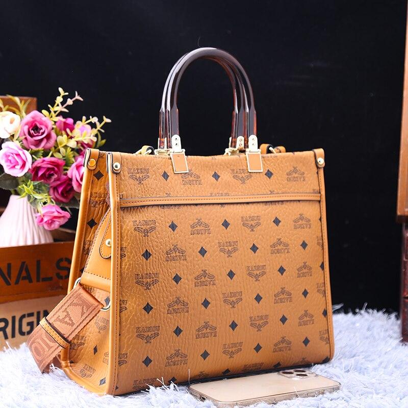 العلامة التجارية الفاخرة سعة أكبر حمل للنساء جلد طبيعي Vintage الطباعة حقائب كتف واحدة حقائب اليد الشهيرة قنوات حقائب اليد