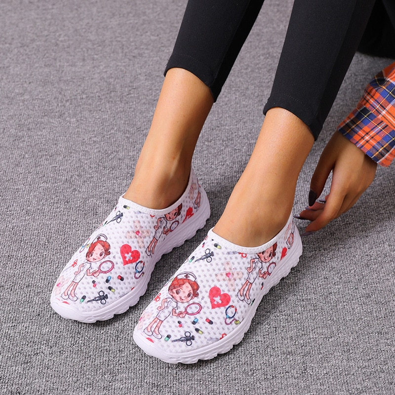 2021 New Cartoon Nurse Doctor Print Women Sneakers Slip on Light Mesh Shoes Summer Breathable Flats