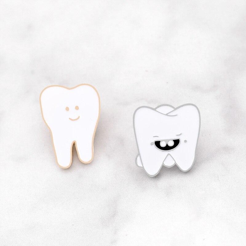Cartoon Cute White Tooth Smiley Face Brooch Metal Lapel Enamel Pin Jackets Bag Badges Gifts for Women Men Kids Fun Teeth Jewelry