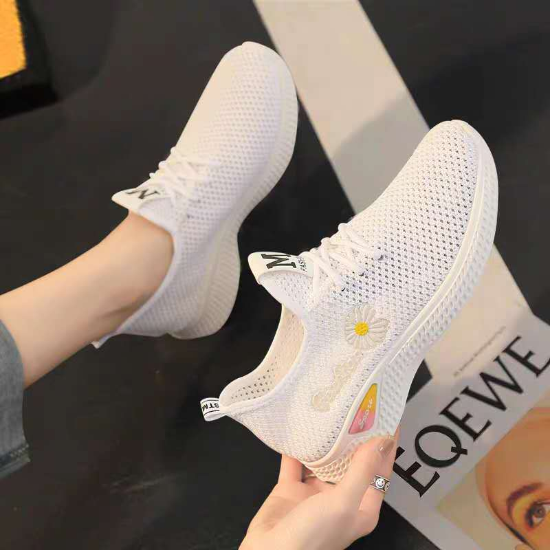 Tênis de academia para mulheres, sapato casual respirável de malha para esporte e caminhada, tênis branco da moda, 2020