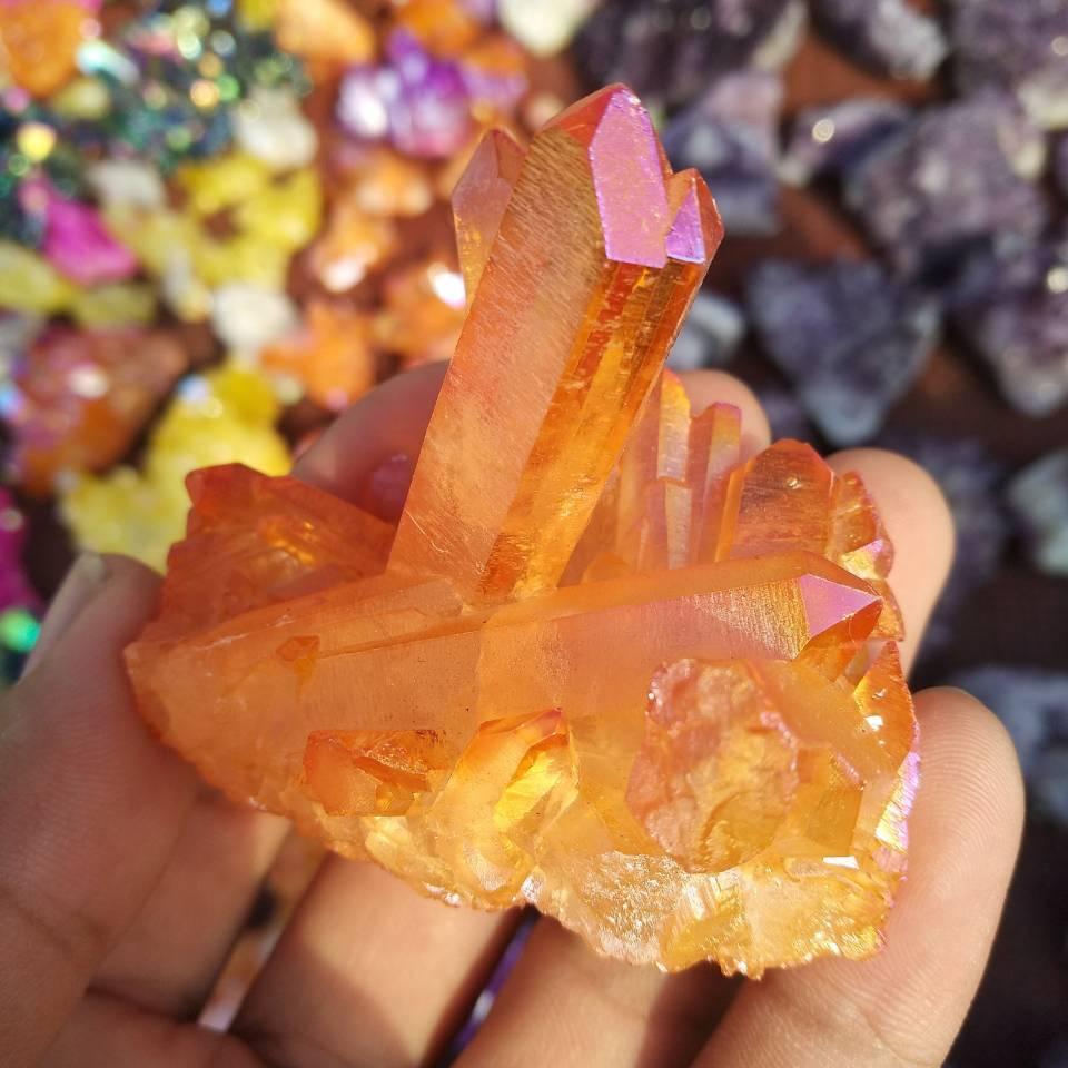 90g naranja Aura cristal de cuarzo vug de bismuto del Grupo Arco iris