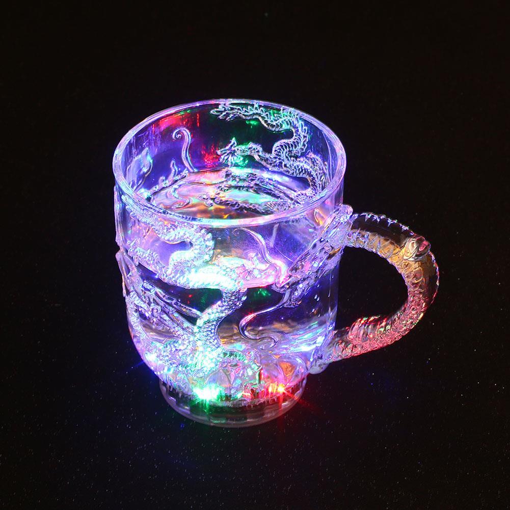 Светодиодная стеклянная чашка для вина, универсальная светящаяся чашка, посуда, смена цвета, украшение столовых приборов, крутой активированный светильник, мигающий