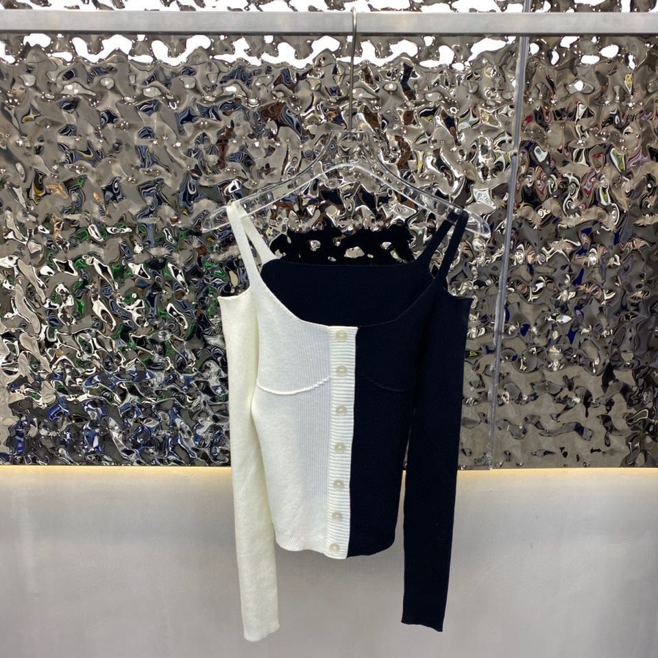 2021 new women's color blocking design collarbone off shoulder knitted cardigan (including 60% wool) enlarge
