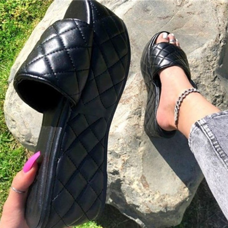 Summer Wedges Slippers Quilted High Heels Women Sandals Ladies Outside Comfort Shoes Basic Wedge Slipper Flip Flop Sandals New