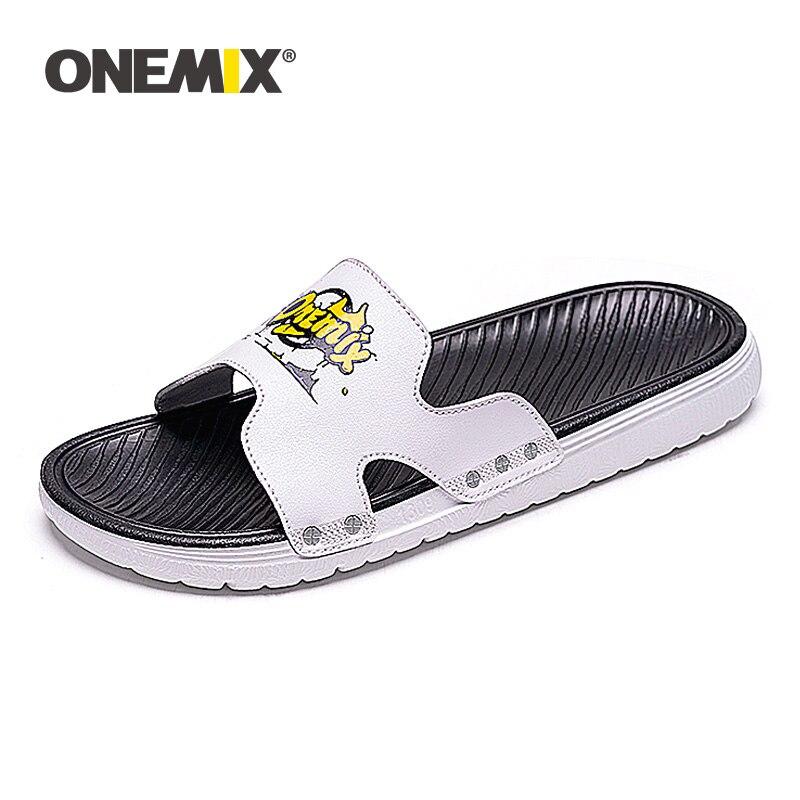 ONEMIX Original para hombre, sandalias de interior, zapatilla de verano, informal, para exteriores, antideslizante, zapatos de playa, guata para adultos, chanclas masculinas de dibujos animados para el hogar