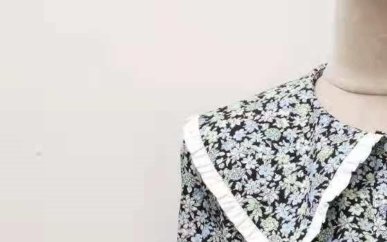 المرأة بيتر بان طوق قميص مطبوع الأزهار مستقيم واحدة الصدر طويلة الأكمام أوائل الخريف 2021 سيدة بلوزة