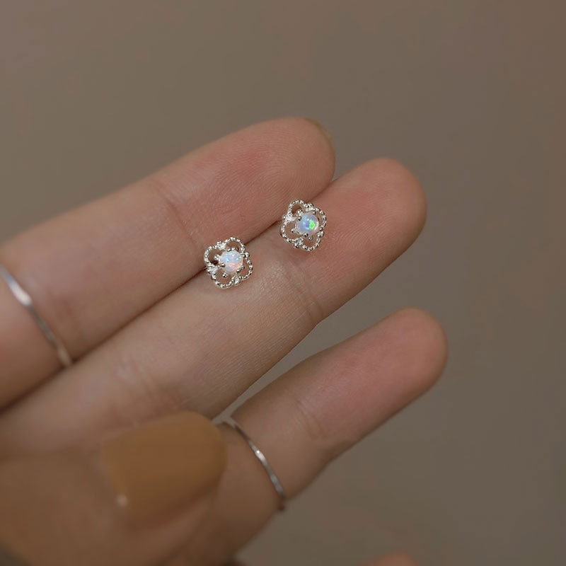 925 Sterling Silver Lovely Romantic Flower Mini Small Stud Earrings for Women Korean Chic Youth Student Jewelry