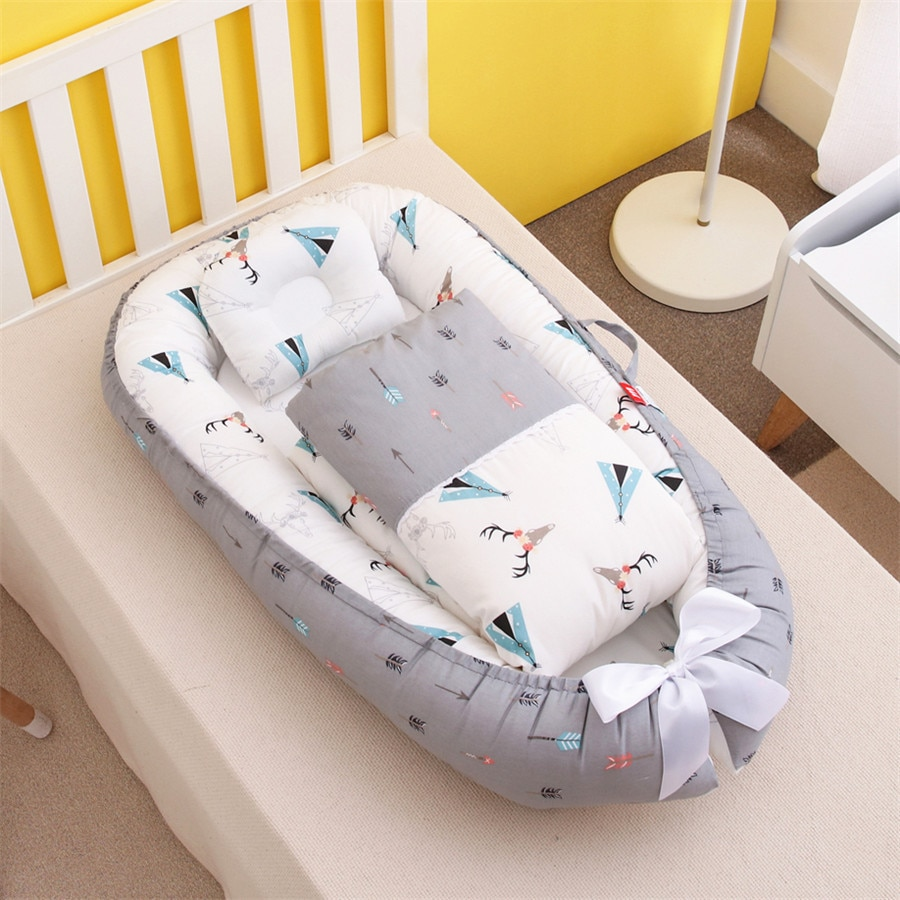 Portable removable washable pressure-proof crib in-bed bionic baby pillow mommy holding travel cot 50-85cm