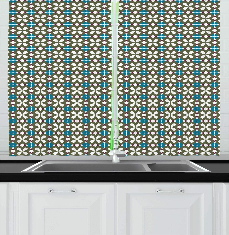 Verde-oliva mar azul cozinha tradicional cortinas mosaico azulejos motivos de oriente em design vintage com elementos de flor janela dr